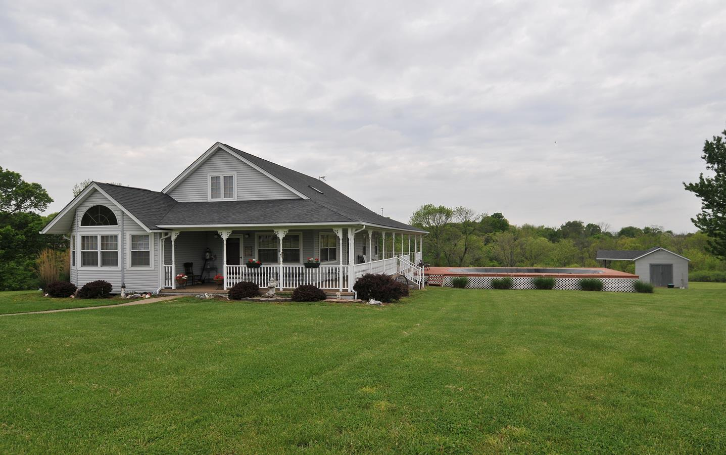 real estate photo 1 for 550 Heritage Dr Sparta, KY 41086