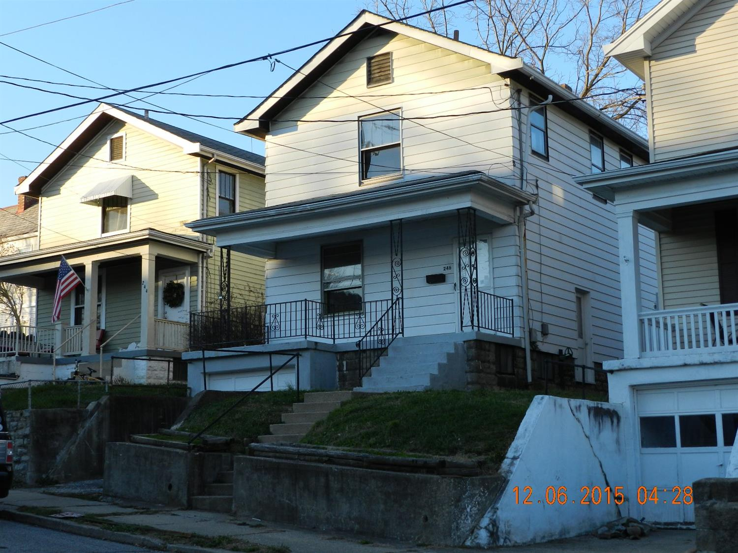real estate photo 1 for 246 E 46th St Covington, KY 41015