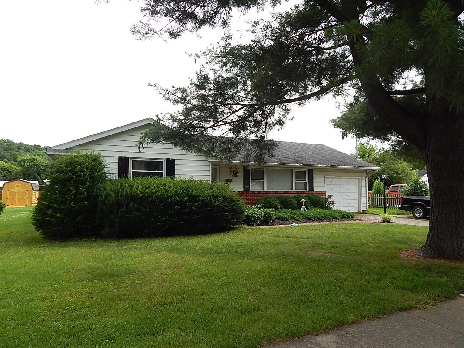 real estate photo 1 for 902 W Shelby St Falmouth, KY 41040