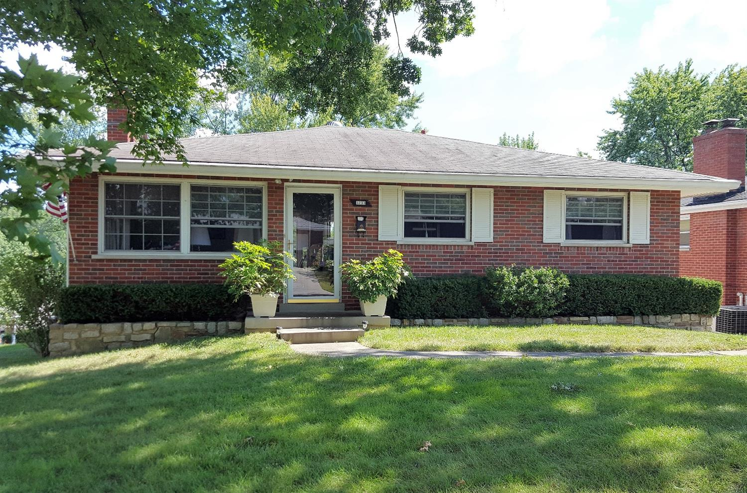 real estate photo 1 for 3233 Rainbow Ter Erlanger, KY 41018