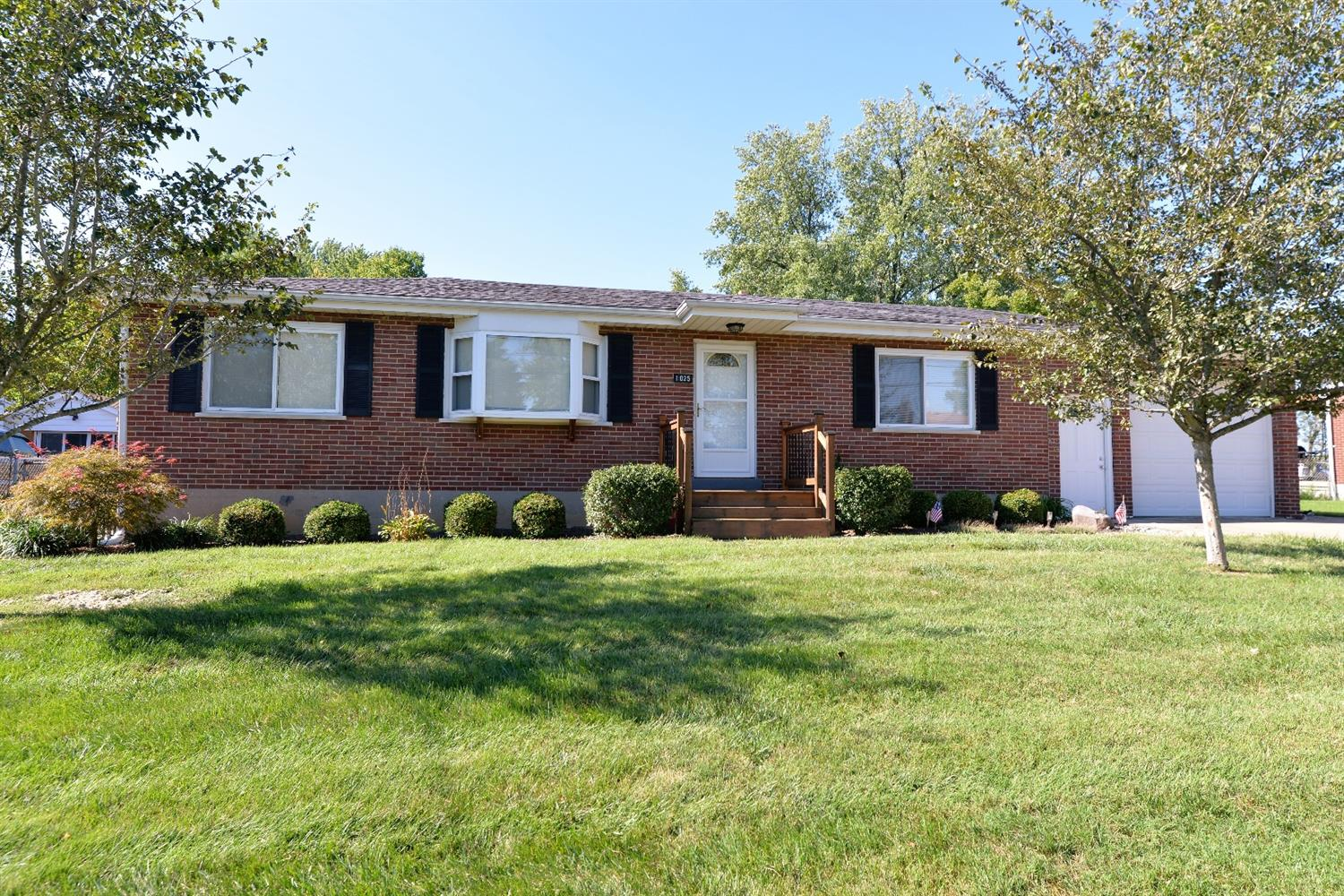 real estate photo 1 for 1025 Orchid Rd Florence, KY 41042