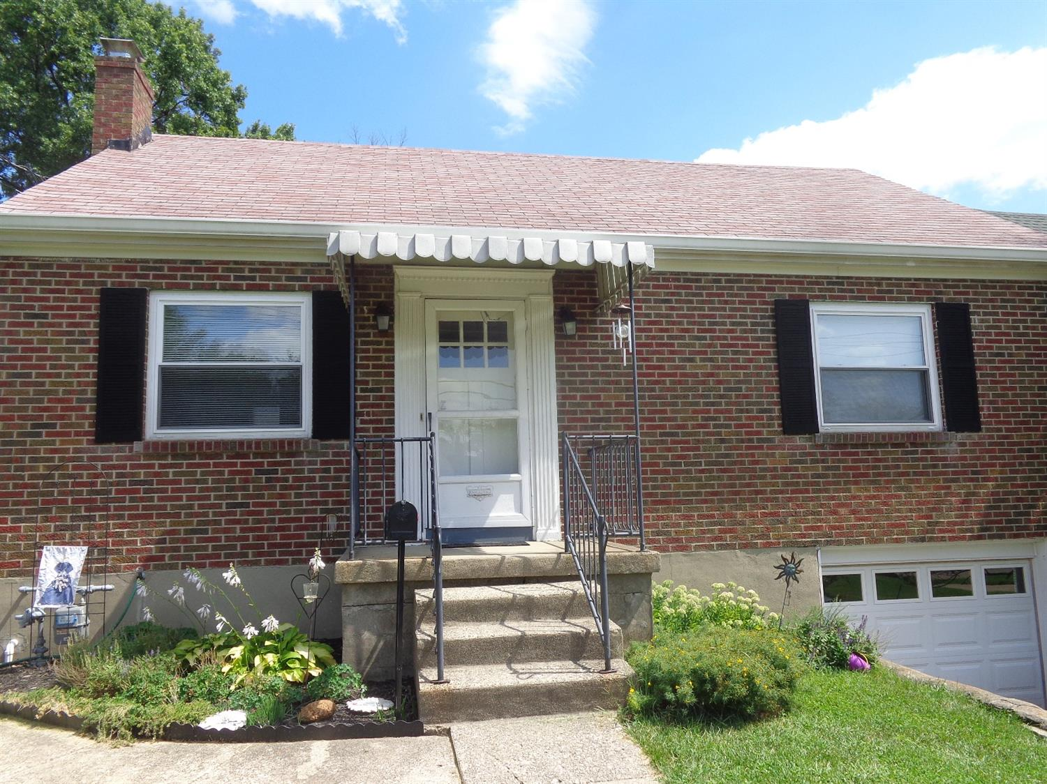 real estate photo 1 for 15 Eastern Ave Elsmere, KY 41018