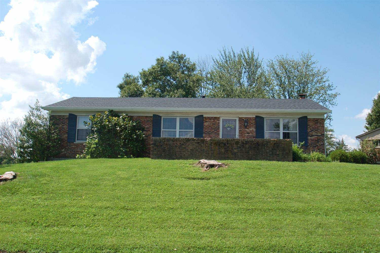 real estate photo 1 for 827 Wesley Dr Villa Hills, KY 41017
