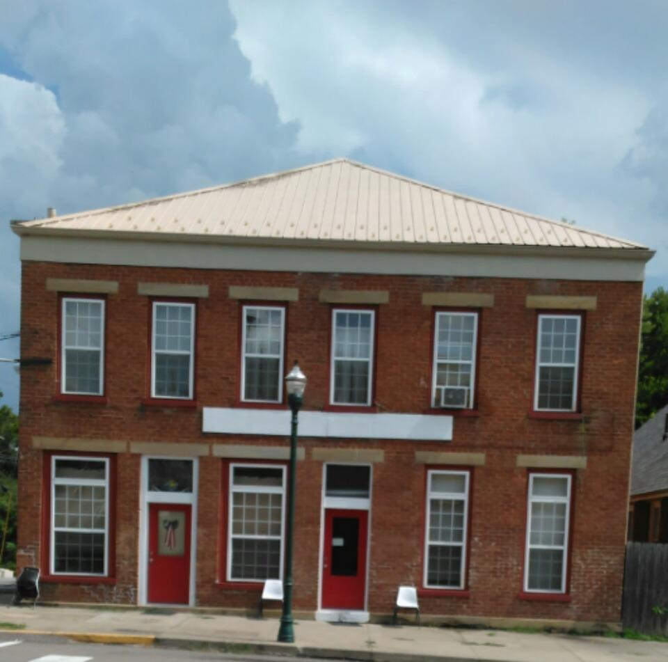 real estate photo 1 for 300 Main St Falmouth, KY 41040