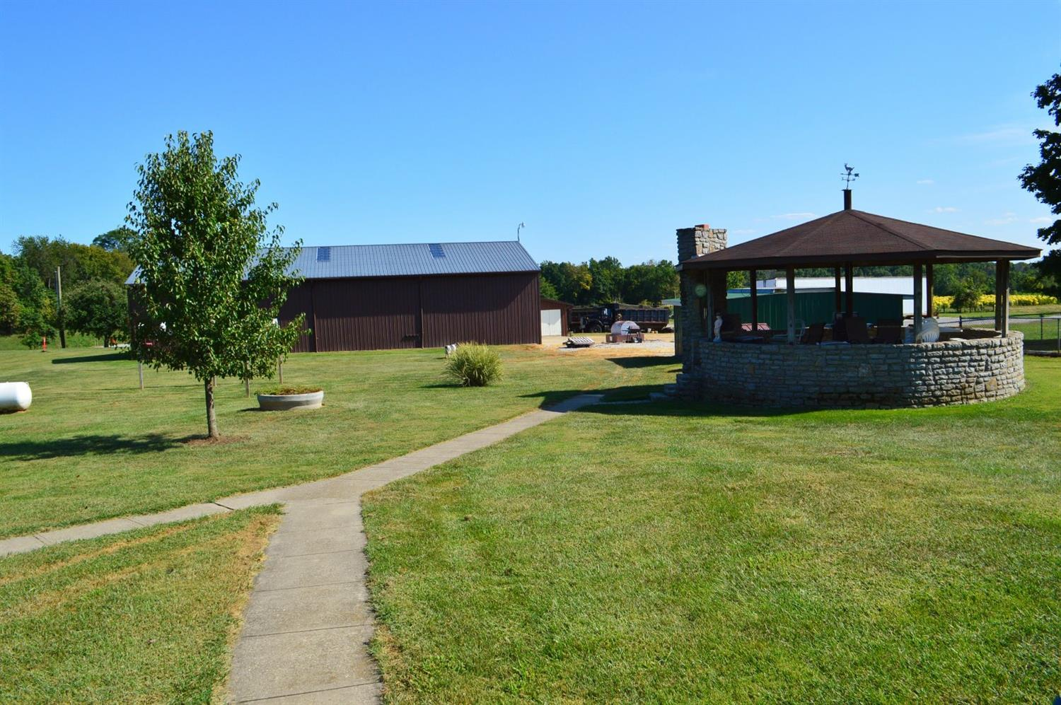 real estate photo 2 for 473 Courtney Rd Piner, KY 41030