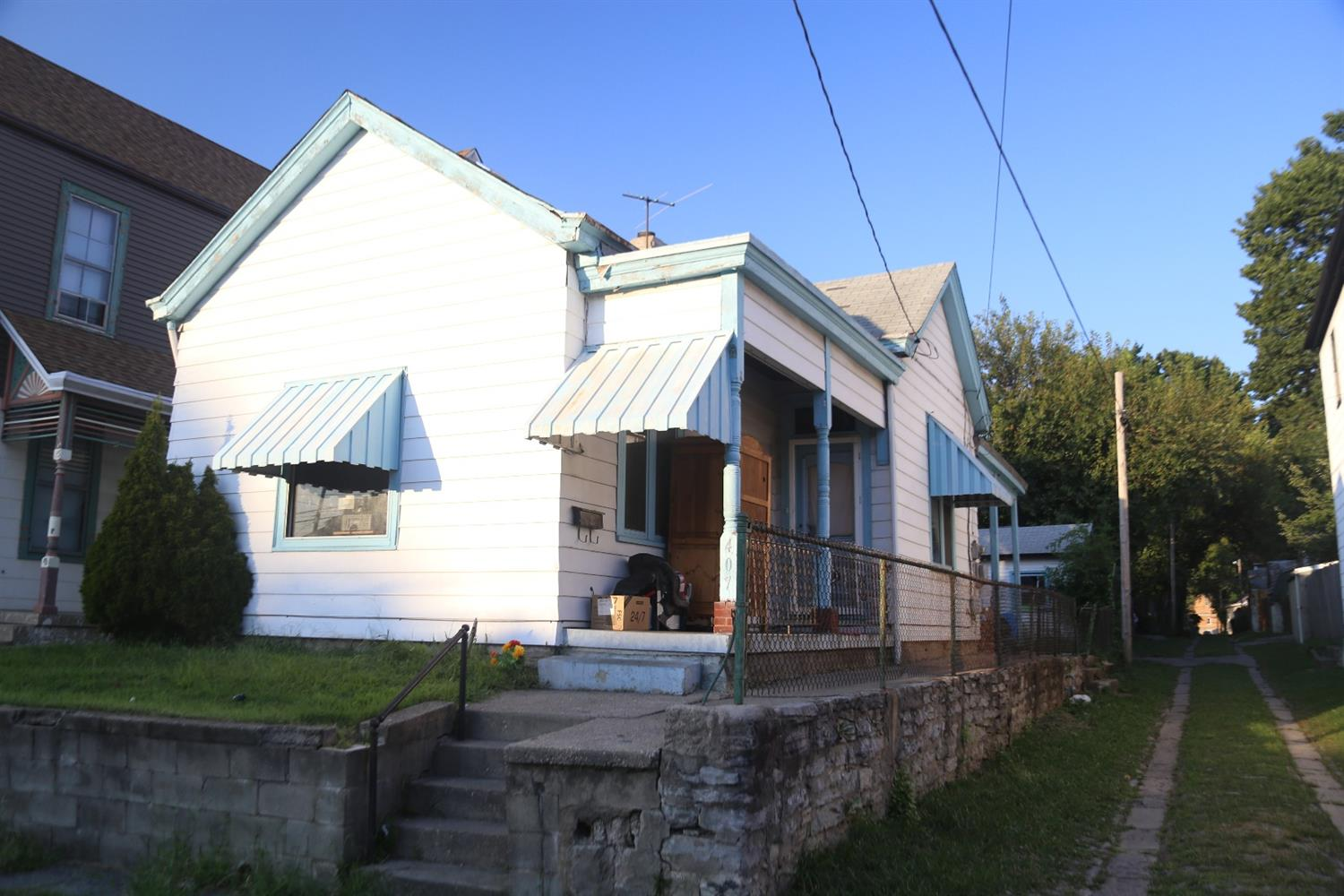 real estate photo 1 for 407 Mckinney Ave Dayton, KY 41074
