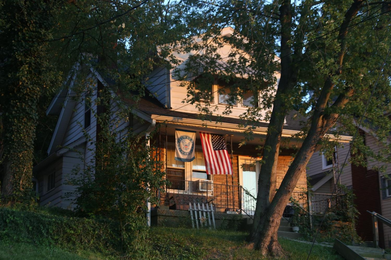 real estate photo 1 for 114 10th Ave Dayton, KY 41074