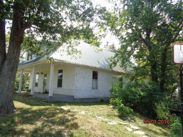 real estate photo 2 for 3250 Falmouth Rd Williamstown, KY 41097
