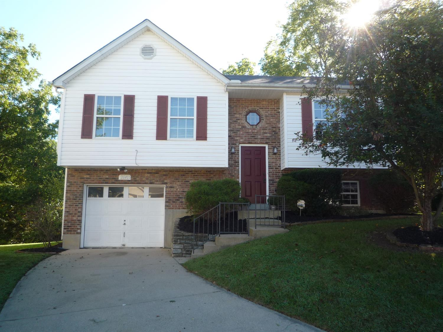 real estate photo 1 for 2640 Ridgecrest Ln Covington, KY 41017
