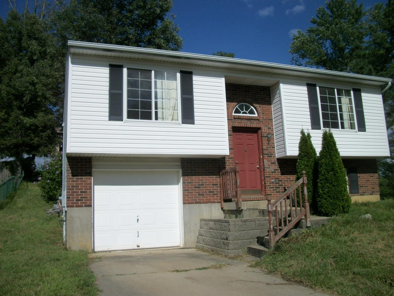 real estate photo 1 for 3583 Mitten Dr Elsmere, KY 41018