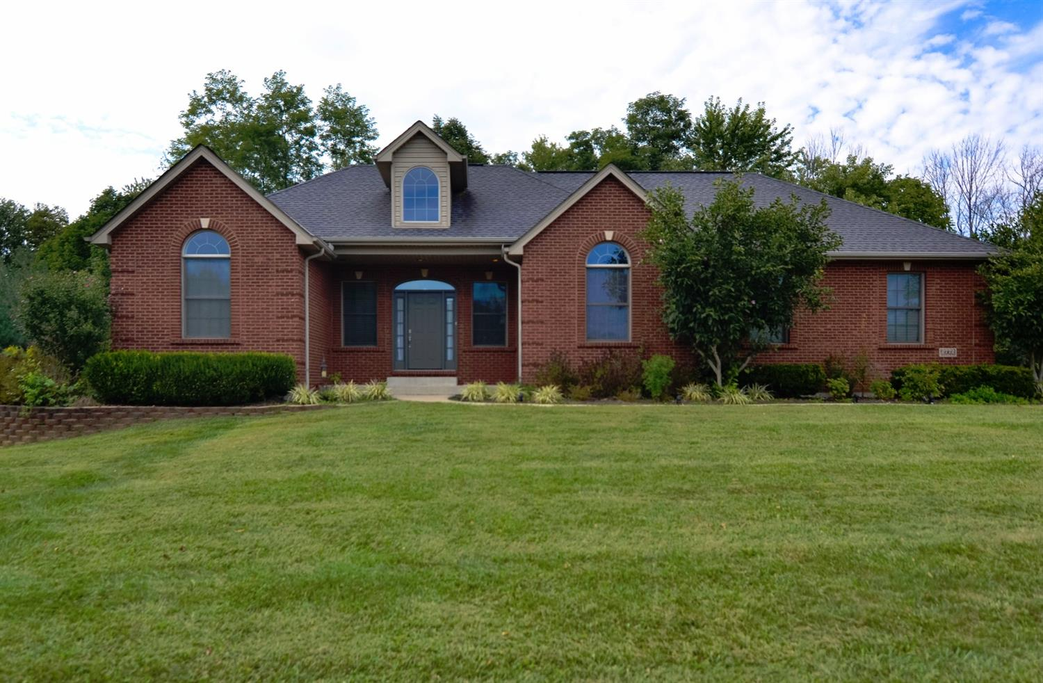 real estate photo 1 for 2772 Sunchase Blvd Burlington, KY 41005