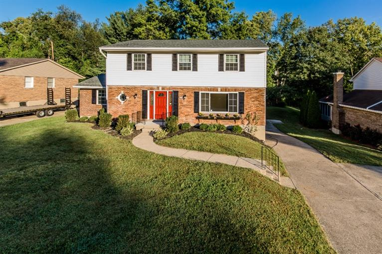 real estate photo 1 for 2928 Campus Dr Crestview Hills, KY 41017