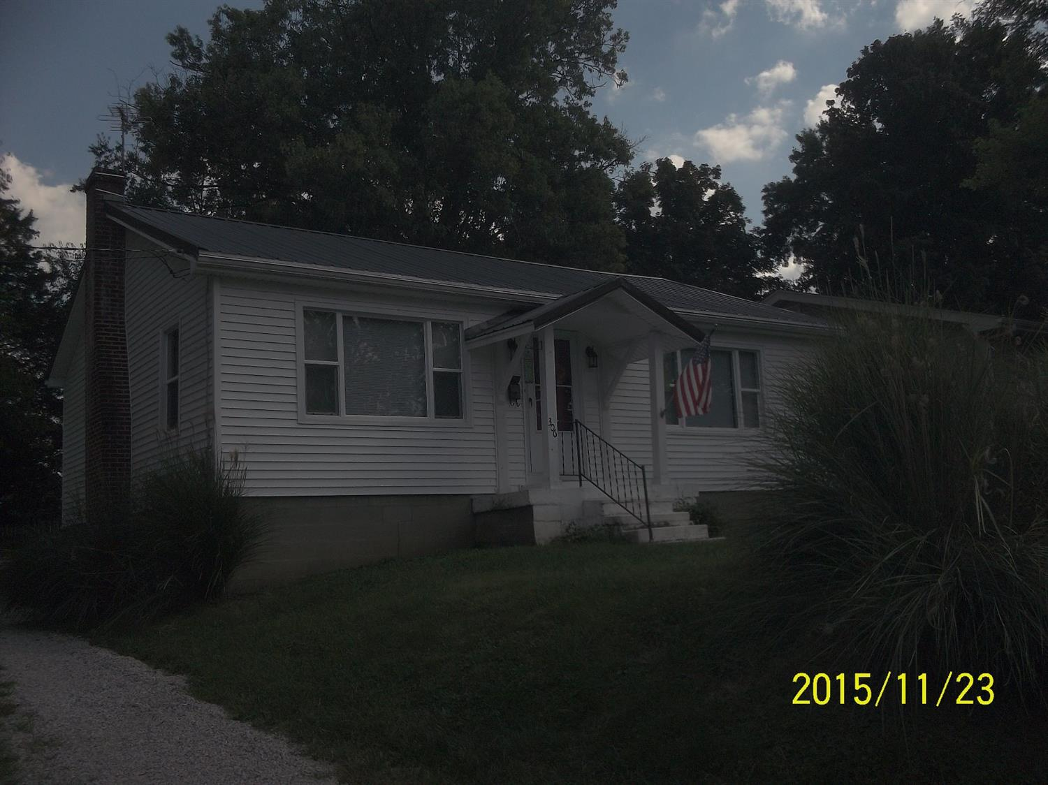real estate photo 1 for 306 Robbins Ave Falmouth, KY 41040