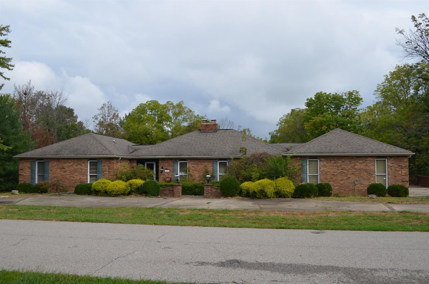 real estate photo 1 for 1472 Von Hagge Dr Florence, KY 41042