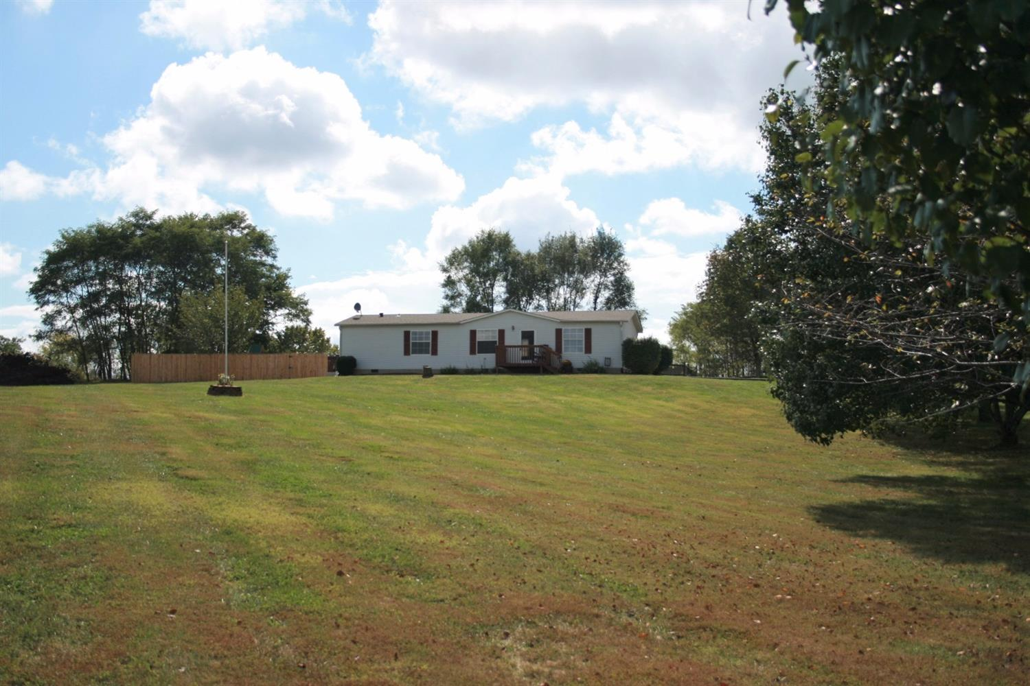 real estate photo 1 for 200 Millers Ridge Dr Warsaw, KY 41095