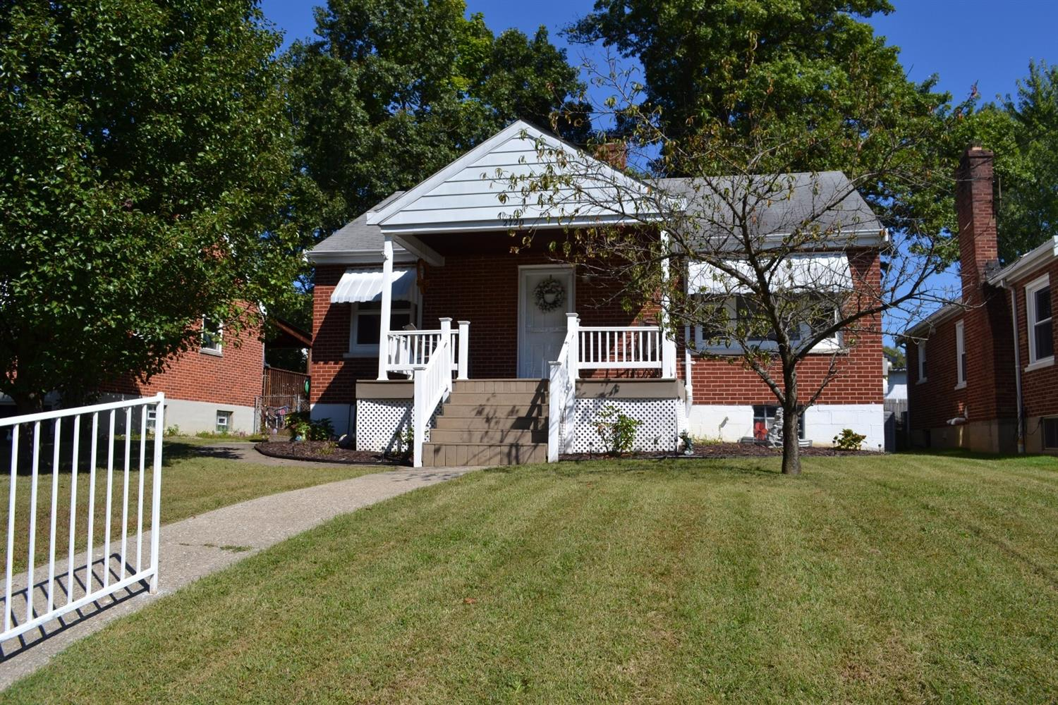 real estate photo 1 for 2720 Indiana Ave Latonia, KY 41015