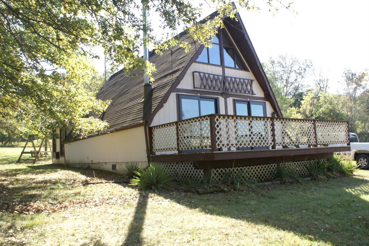 perry park singles 540 swan ct, perry park, ky 40363 single family real estate great weekend get away just an hour from cincinnati or louisville gated golf course community hike, bike, golf, fish.