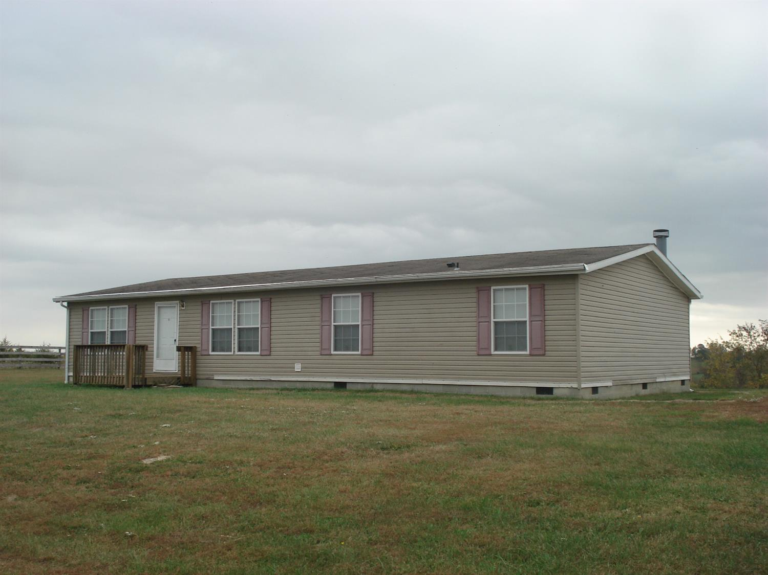 real estate photo 1 for 1381 Robinson Renaker Rd Berry, KY 41003