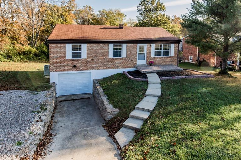 real estate photo 1 for 3870 Stewart Dr Ryland Heights, KY 41015