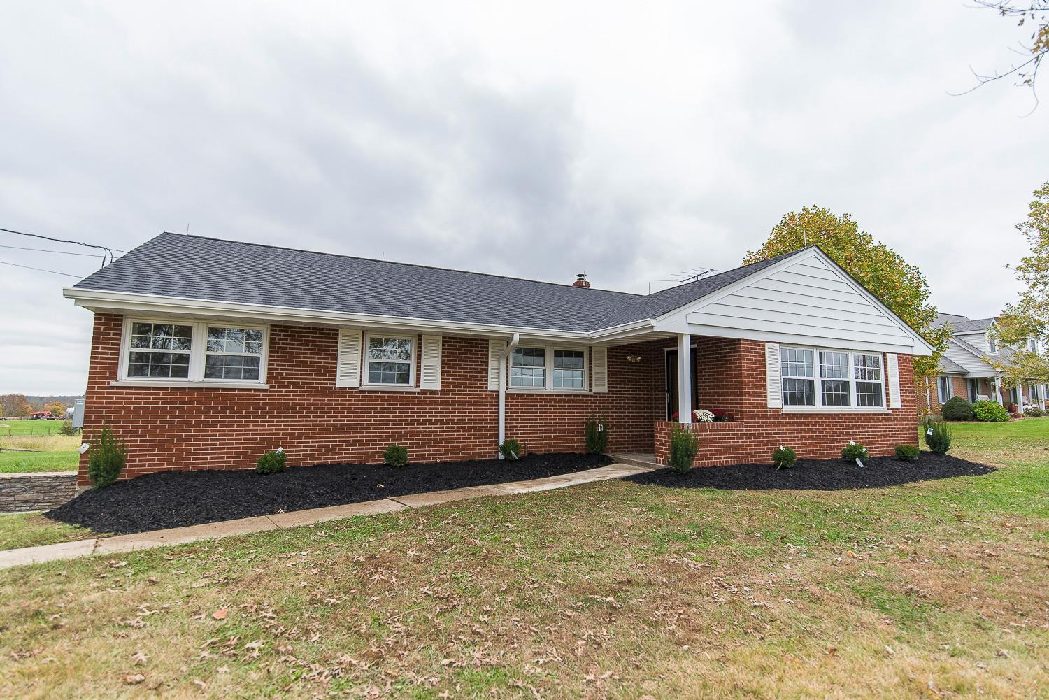 real estate photo 1 for 539 Walton Nicholson Rd Walton, KY 41094