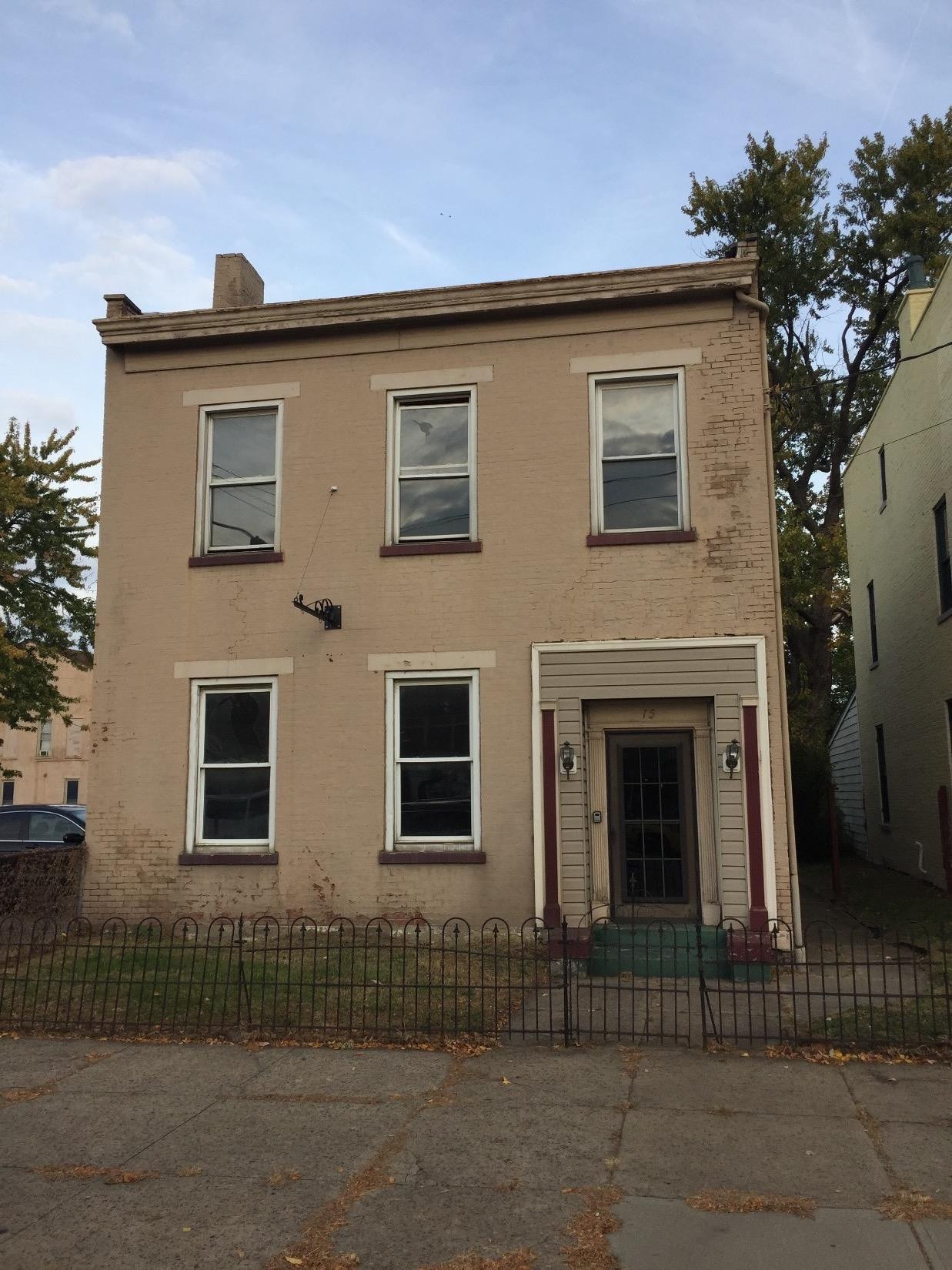 real estate photo 1 for 15 E 6th St Newport, KY 41071