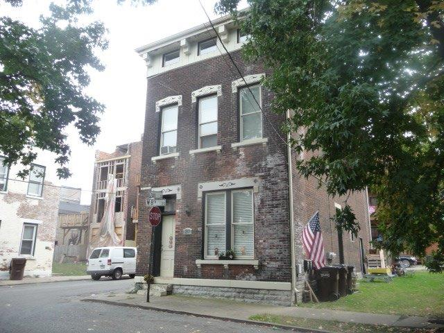 real estate photo 1 for 237 239 W 8th St Covington, KY 41011