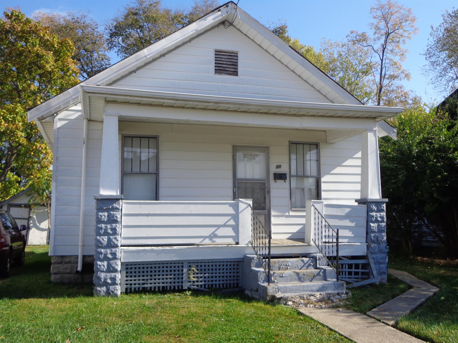 real estate photo 1 for 35 May St Elsmere, KY 41018