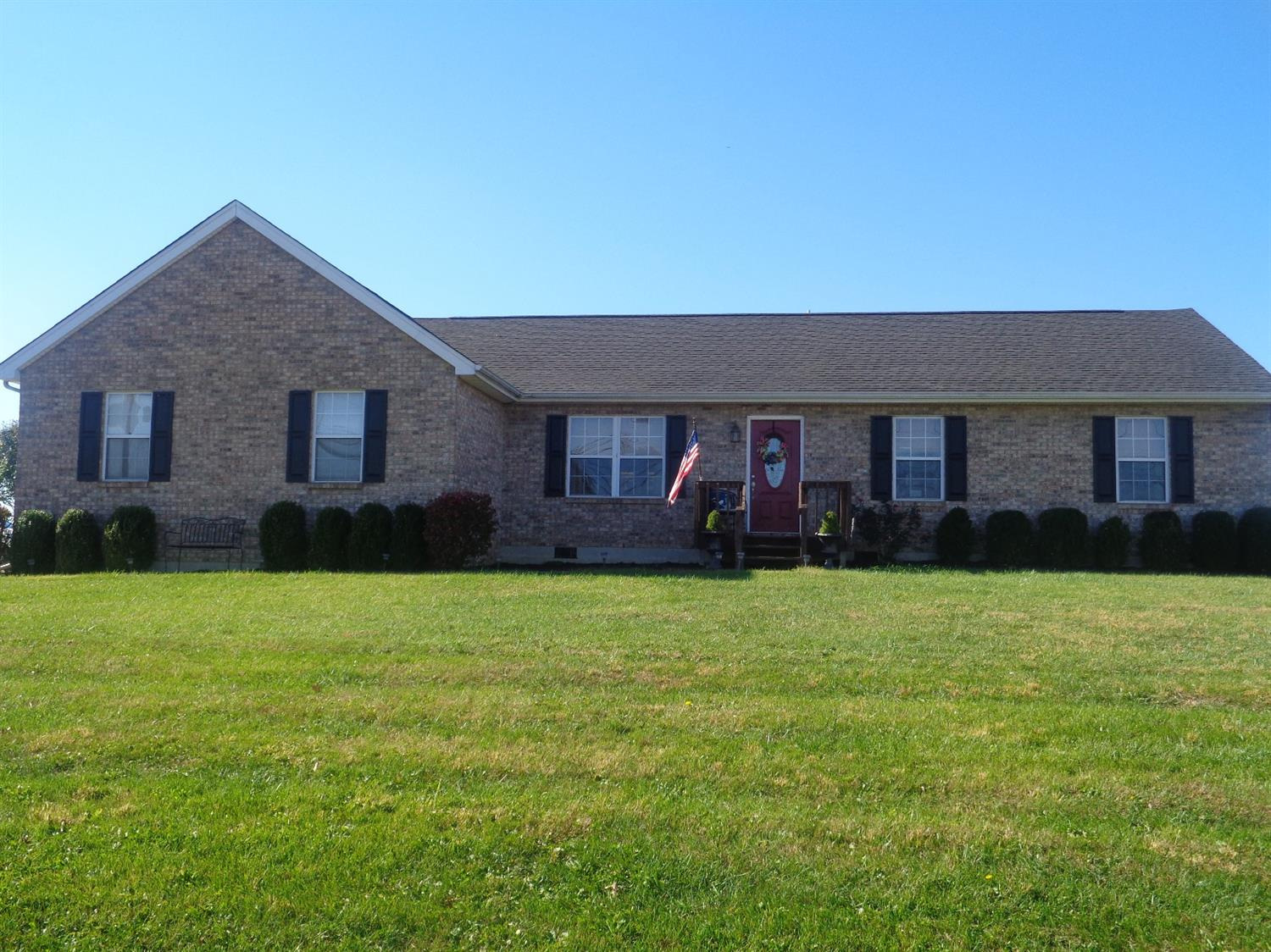 real estate photo 1 for 20 Meadowlark Ln Falmouth, KY 41040