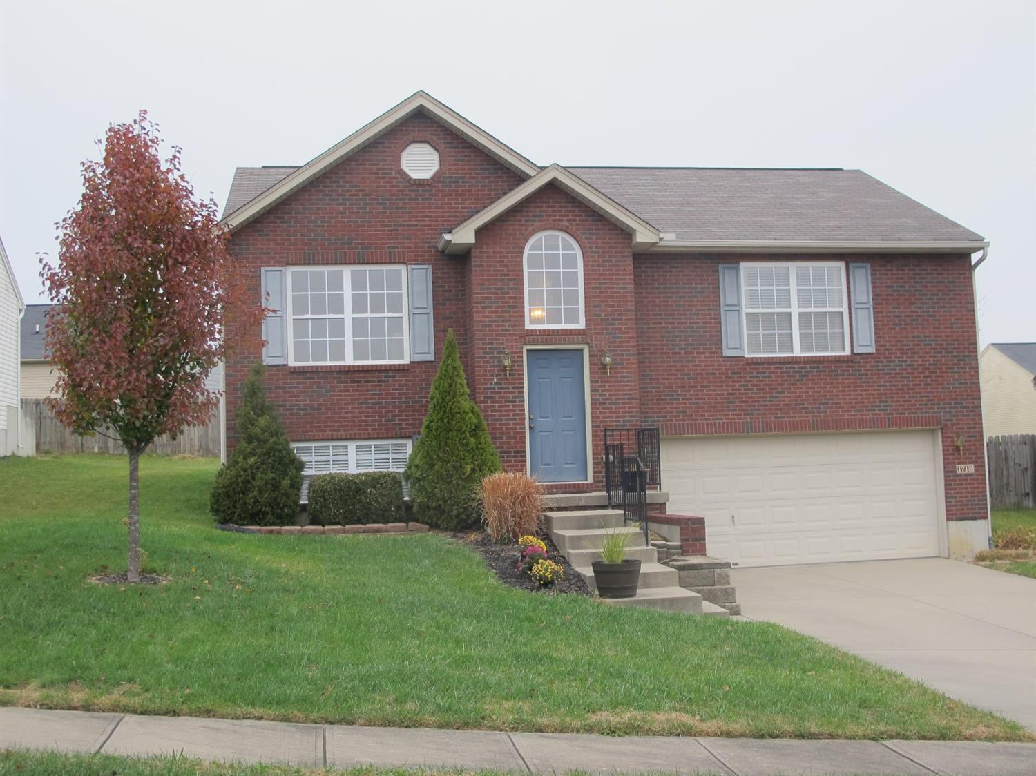 real estate photo 1 for 1712 Stewart Dr Florence, KY 41042