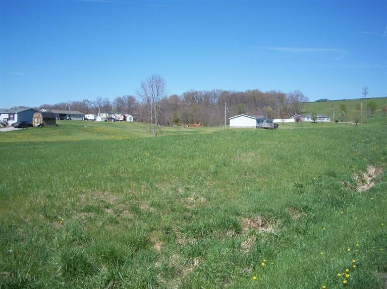 Photo 3 for 4 Country View Ln Ghent, KY 41045