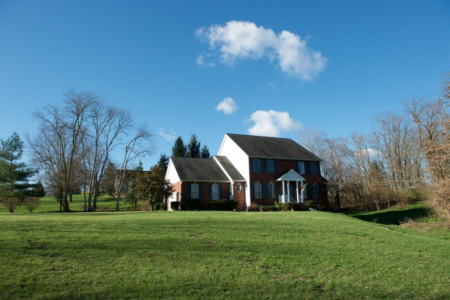 real estate photo 1 for 10327 Killarney Dr Union, KY 41091