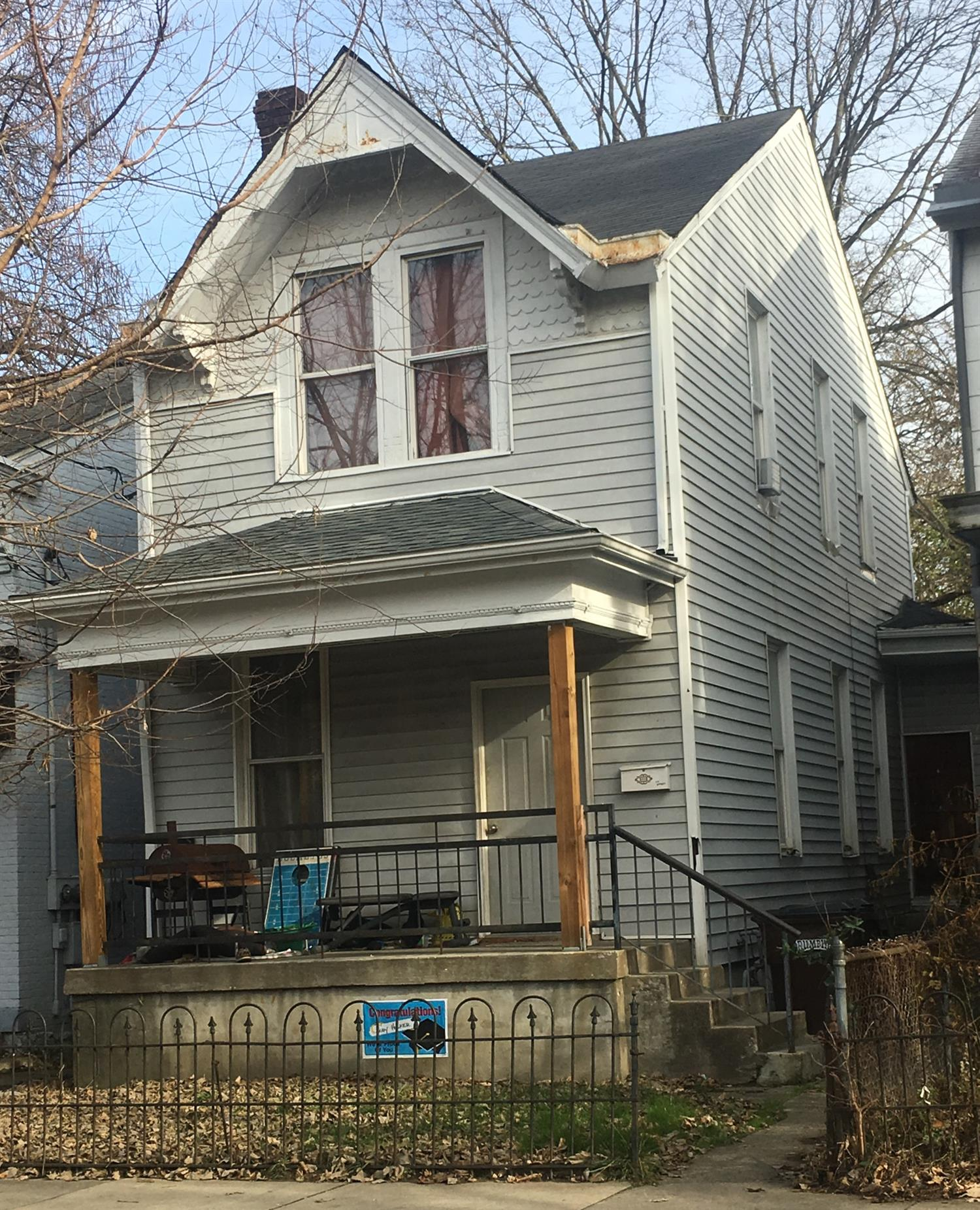 real estate photo 1 for 1518 Greenup St Covington, KY 41011