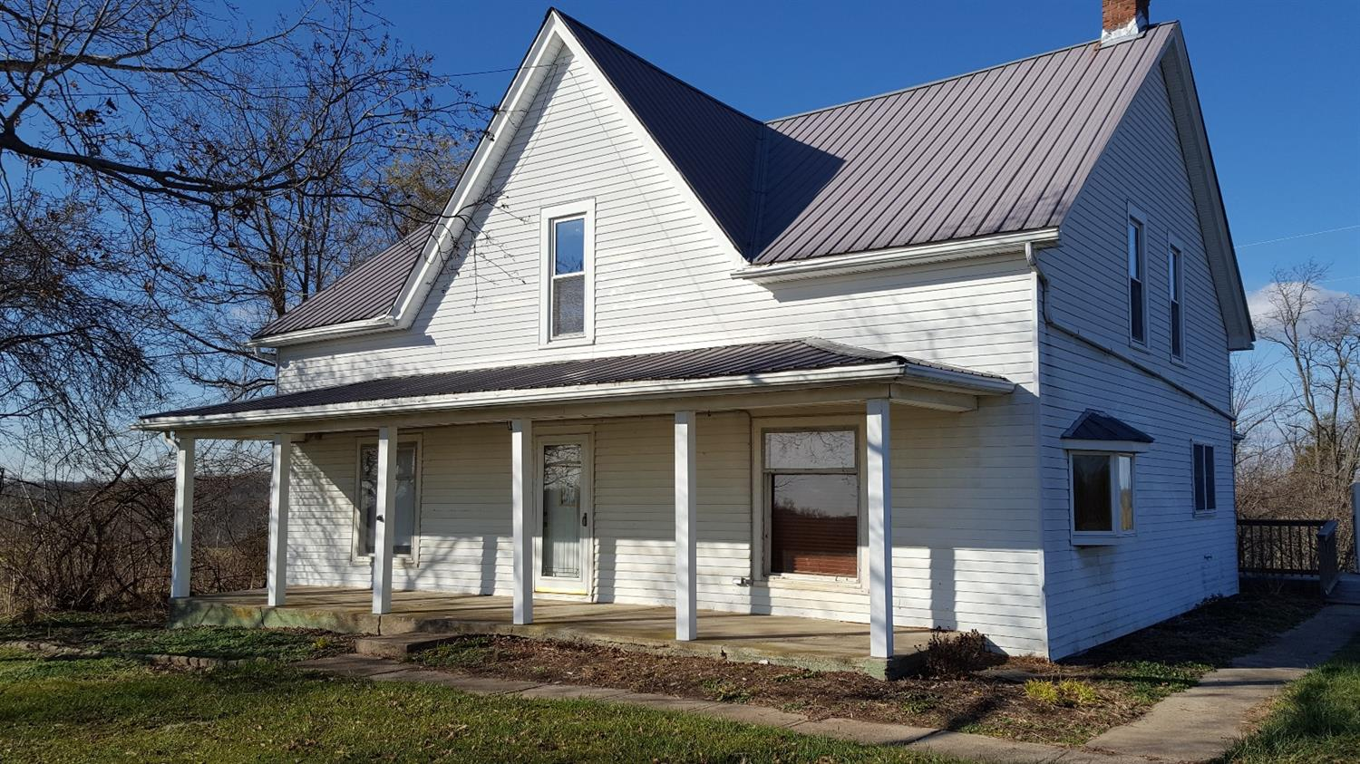 real estate photo 1 for 2115 Stewarts Ridge Rd Sparta, KY 41086
