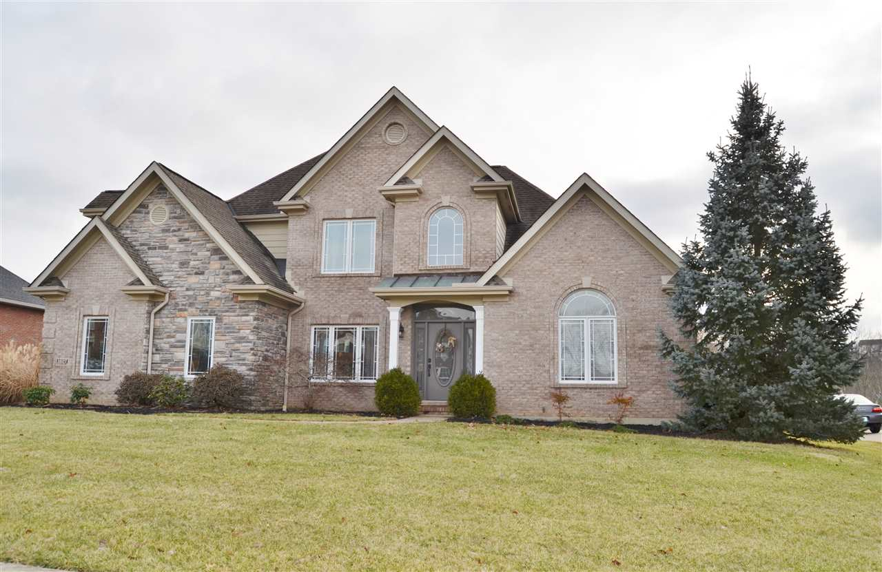 real estate photo 1 for 1627 Creekview Dr Florence, KY 41042