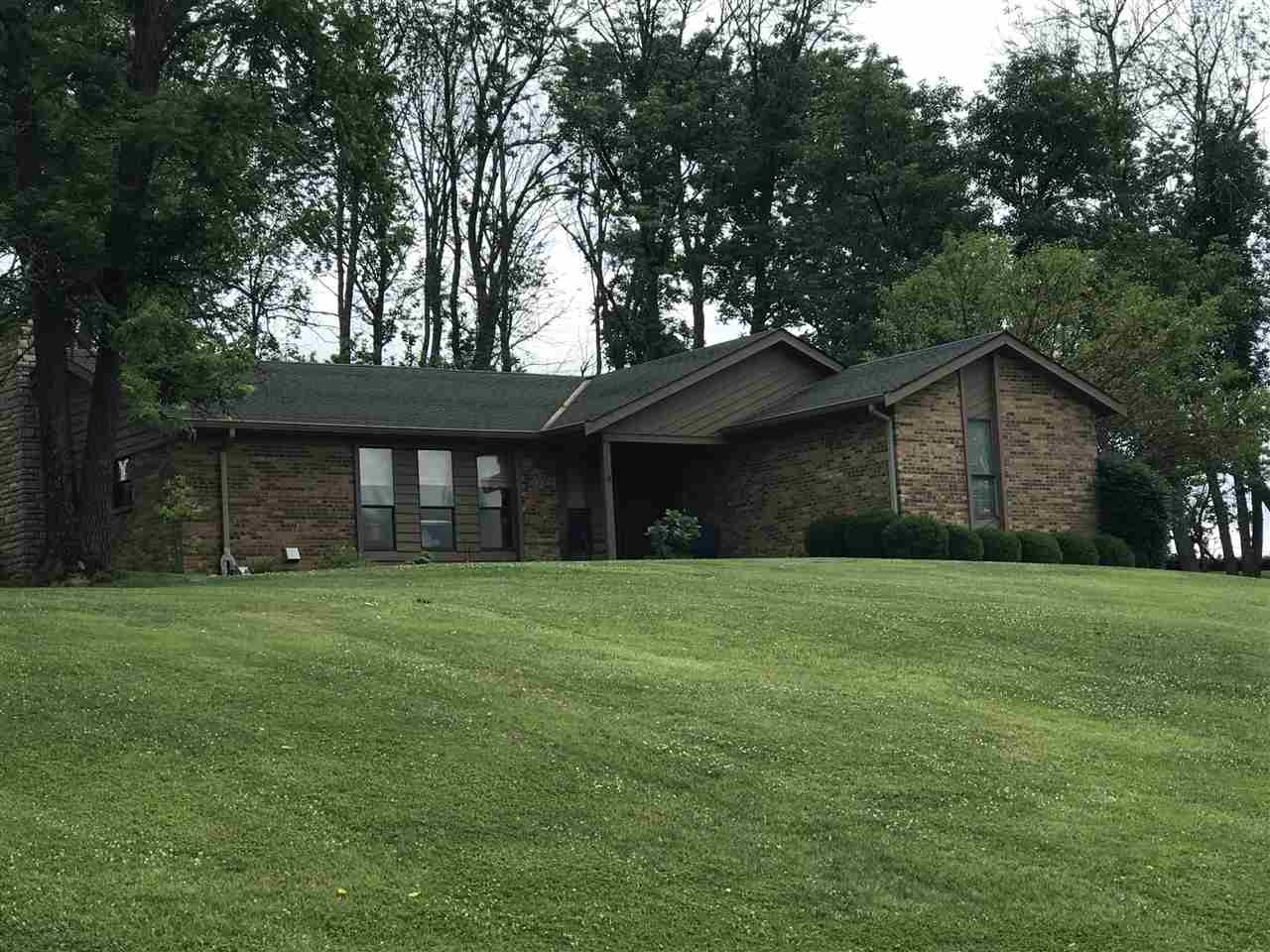 real estate photo 1 for 729 Aylor Ln Walton, KY 41094