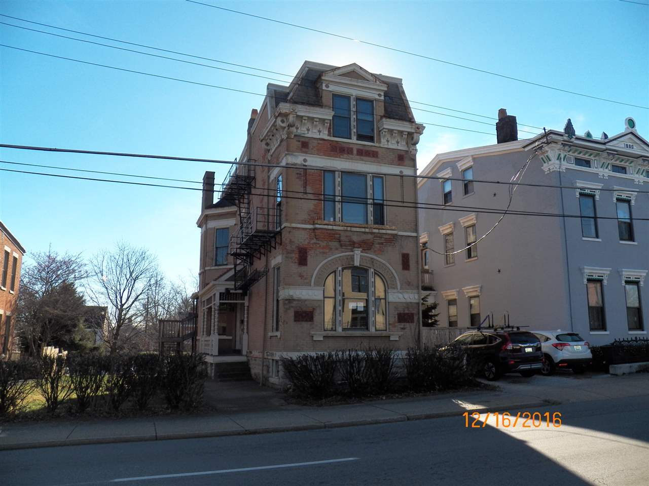 real estate photo 1 for 107 E 12th St Covington, KY 41011