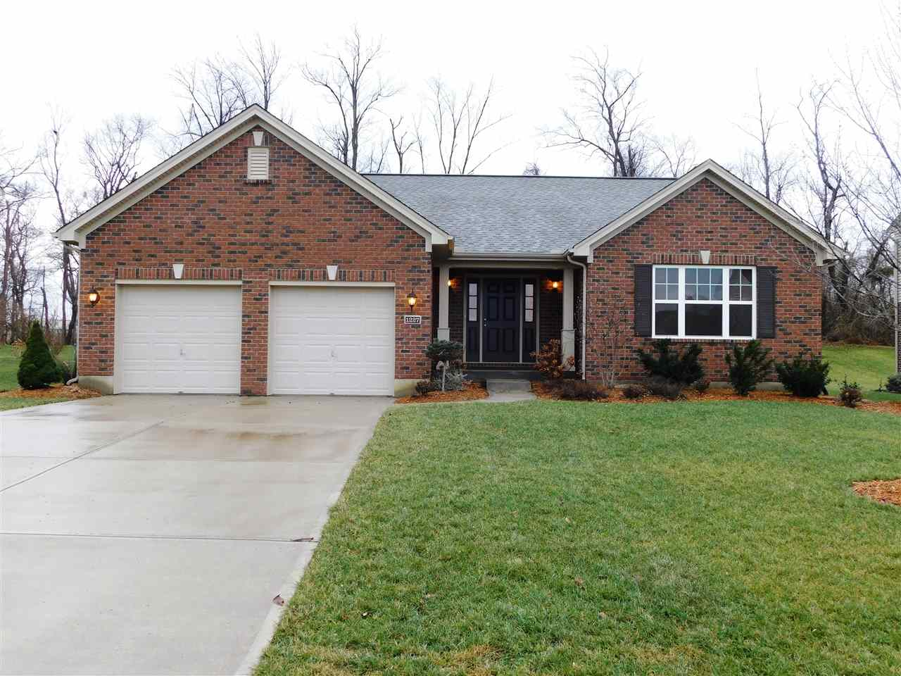 real estate photo 1 for 1227 Monroe Dr Hebron, KY 41048