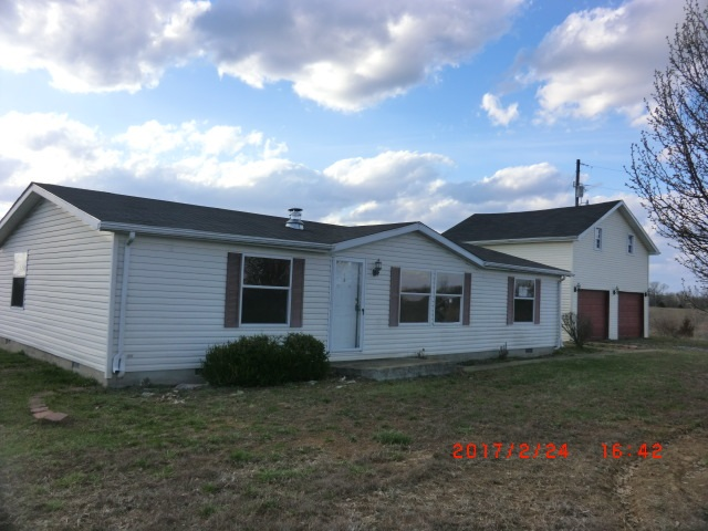 real estate photo 1 for 108 Conroy Ln Falmouth, KY 41040