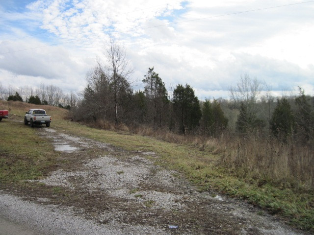 real estate photo 1 for 1360 Goldsvalley Spur Rd Dry Ridge, KY 41035