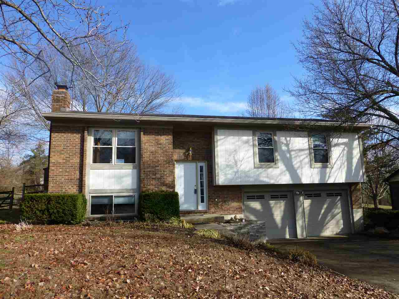 real estate photo 1 for 6132 Cedar Hill Ln Florence, KY 41042