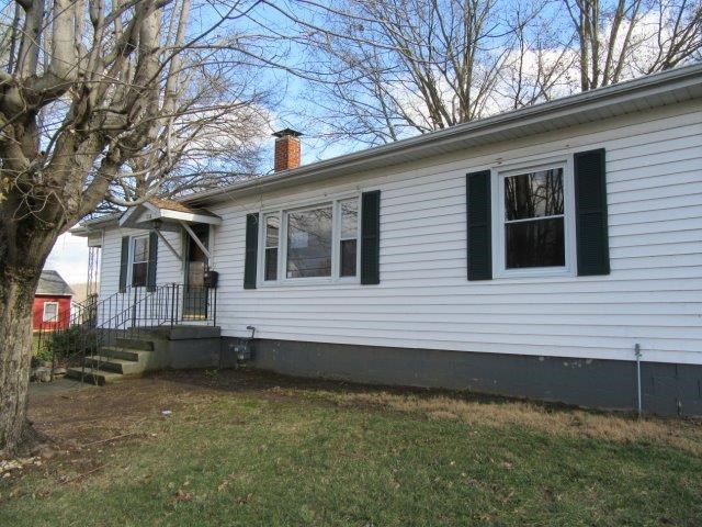 real estate photo 1 for 514 Beech St Falmouth, KY 41040