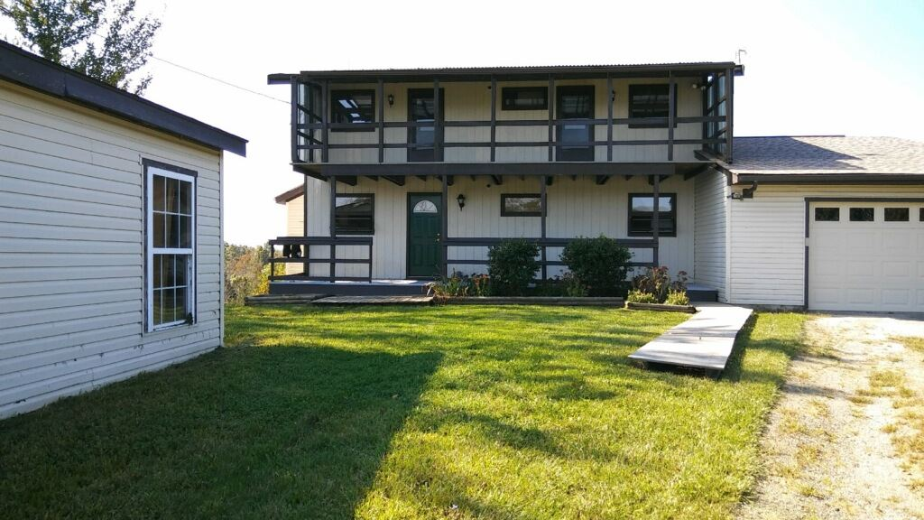 real estate photo 1 for 401 Slick Ridge Rd Williamstown, KY 41097