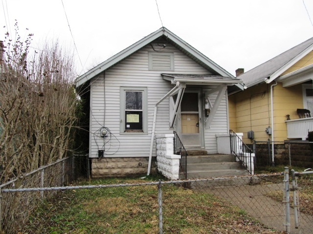 real estate photo 1 for 852 Oak St Ludlow, KY 41016
