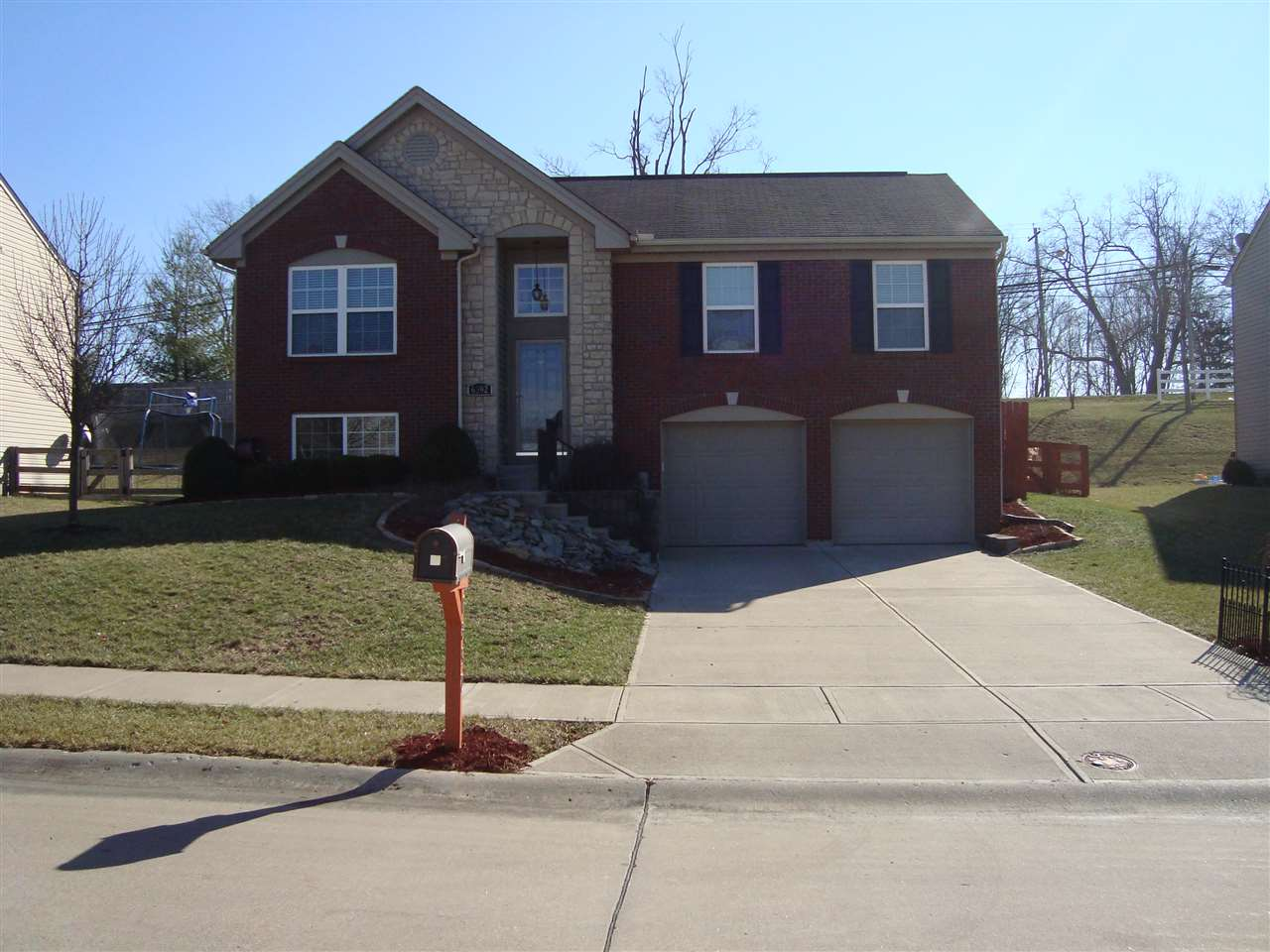 real estate photo 1 for 6392 Pembroke Dr Independence, KY 45051