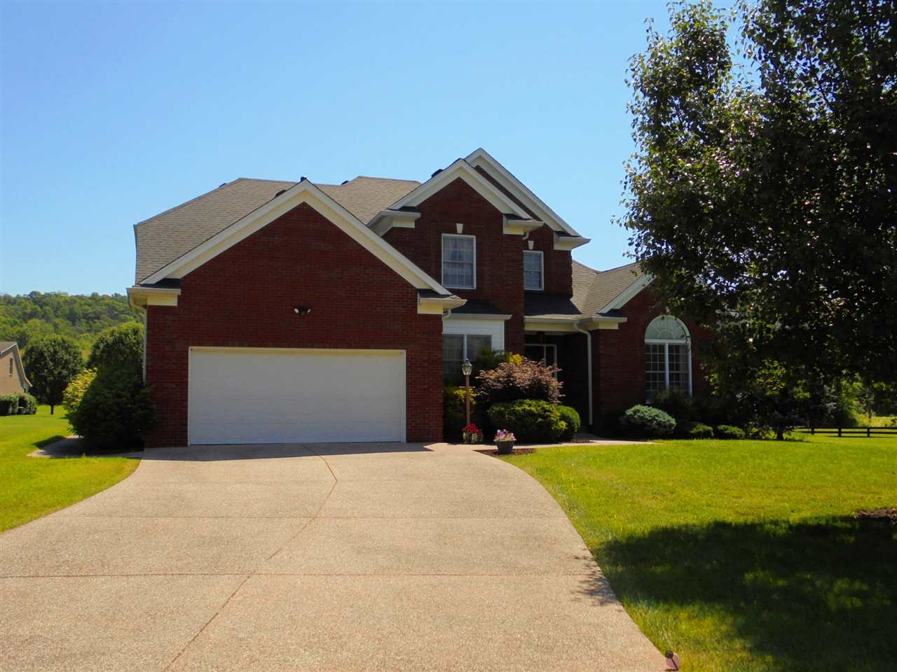 real estate photo 1 for 2 Springmeadow Dr Carrollton, KY 41008