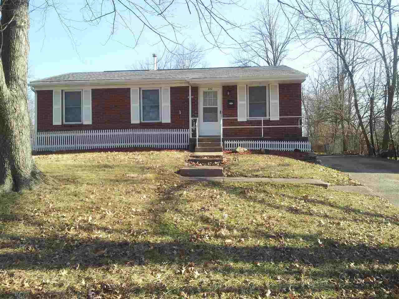 real estate photo 1 for 302 Saint Jude Cir Florence, KY 41042