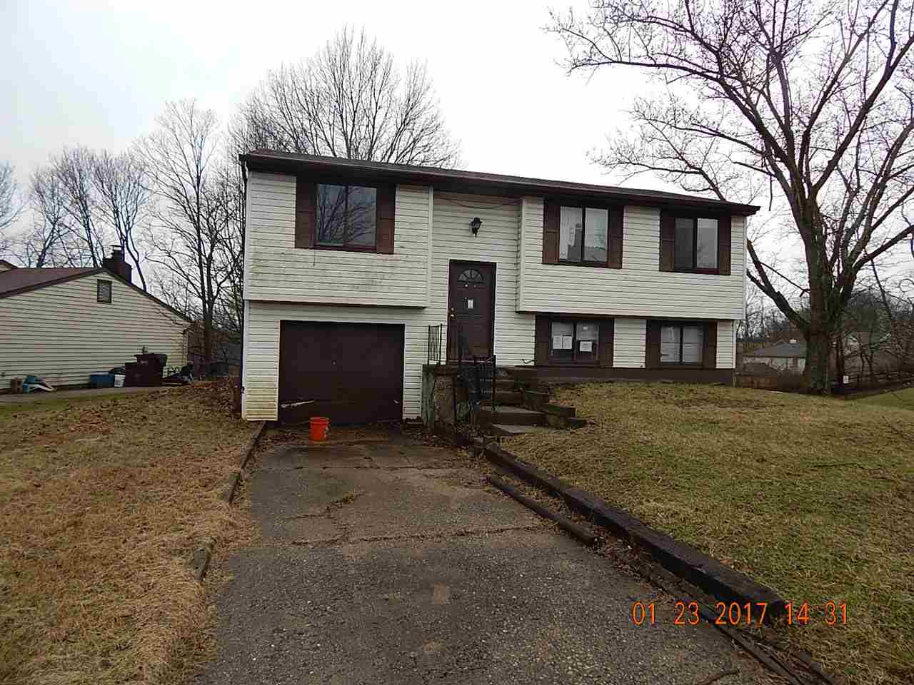 real estate photo 1 for 1 Woodknoll Ct Independence, KY 41051