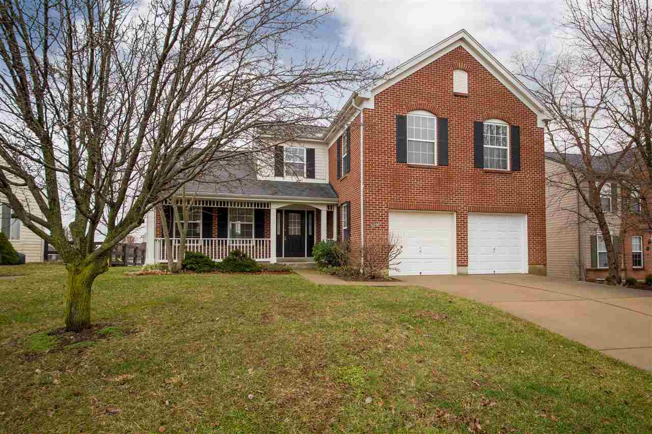 real estate photo 1 for 8998 Crimson Oak Florence, KY 41042