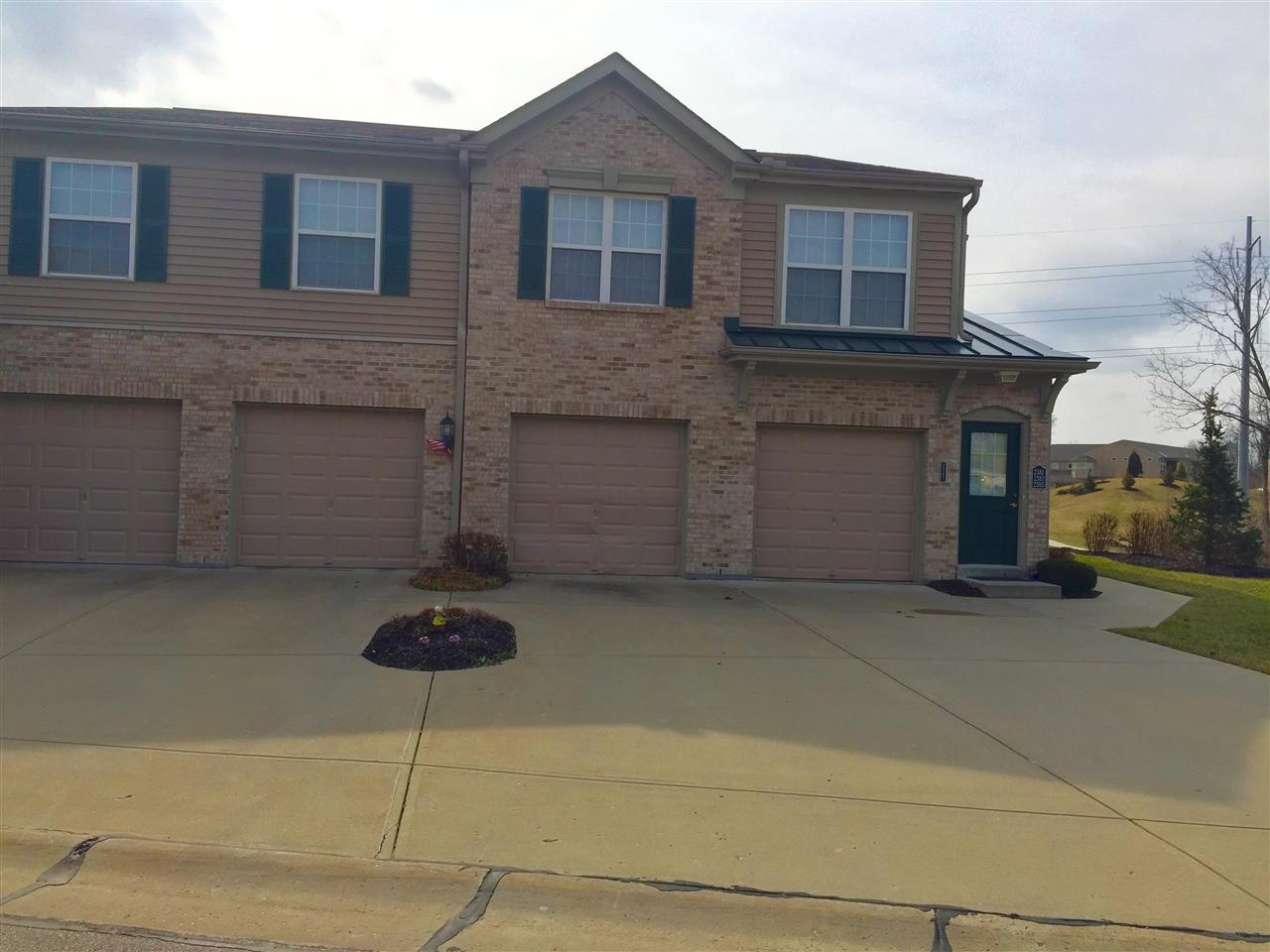 real estate photo 1 for 2383 Twelve Oaks Dr Florence, KY 41042