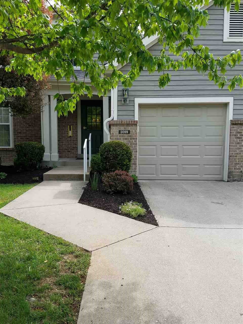 real estate photo 1 for 2099 Clareglen Ct, 303 Crescent Springs, KY 41017